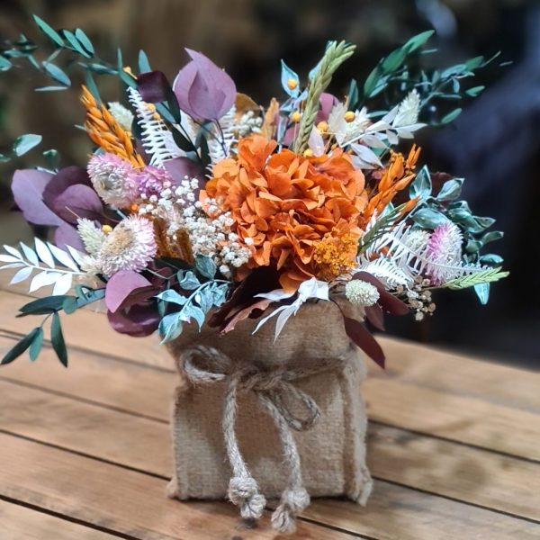 Centro de flores Hazel